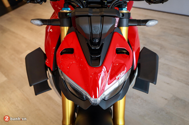 Can canh Ducati Streetfighter V4 S chinh hang tai Viet Nam