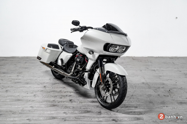 Can canh HarleyDavidson CVO Road Glide 2020 gia hon 2 ty tai VN