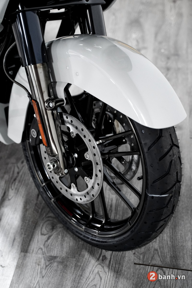Can canh HarleyDavidson CVO Road Glide 2020 gia hon 2 ty tai VN - 5