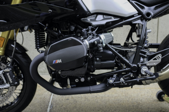 BMW RnineT do theo chu de The Dark Knight - 8