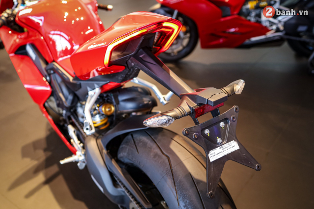 Can canh Ducati Panigale V4 S 2020 gan 1 ty tai Viet Nam - 13