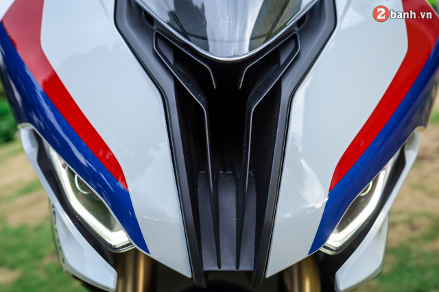 Can canh BMW S1000RR phien ban MPerformance voi gia hon 1 ty dong tai Viet Nam - 5