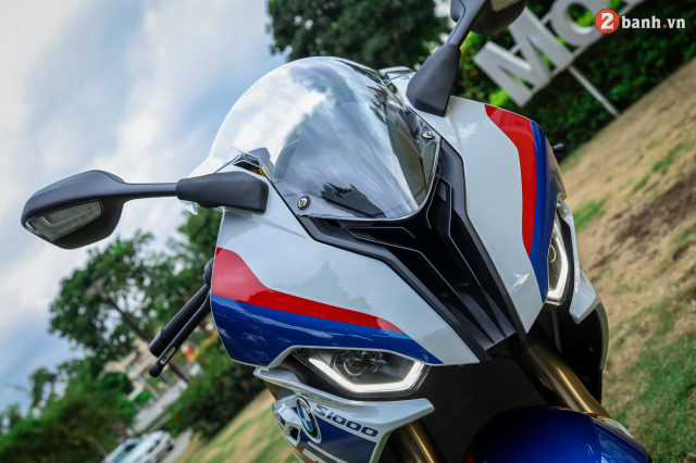 Can canh BMW S1000RR phien ban MPerformance voi gia hon 1 ty dong tai Viet Nam - 3