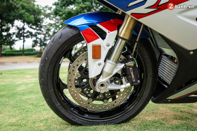 Can canh BMW S1000RR phien ban MPerformance voi gia hon 1 ty dong tai Viet Nam - 26