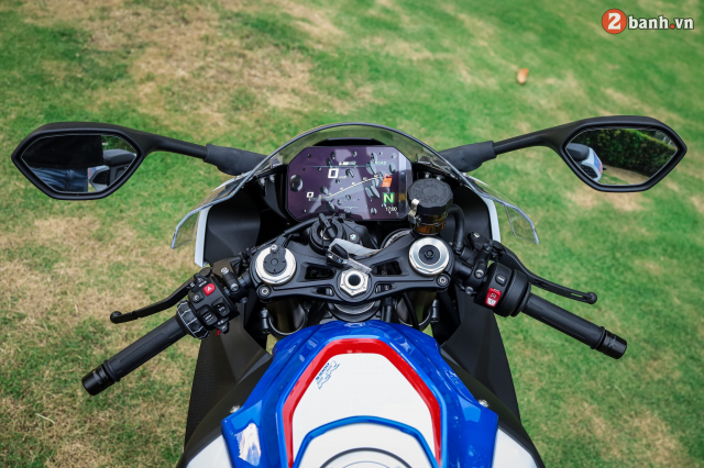 Chon Yamaha R1M hay S1000RR MPerformance trong tam gia 1 ty dong - 10