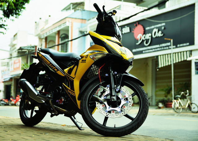Ngam Exciter 150 do dan chan Brembo xin dung noc - 3