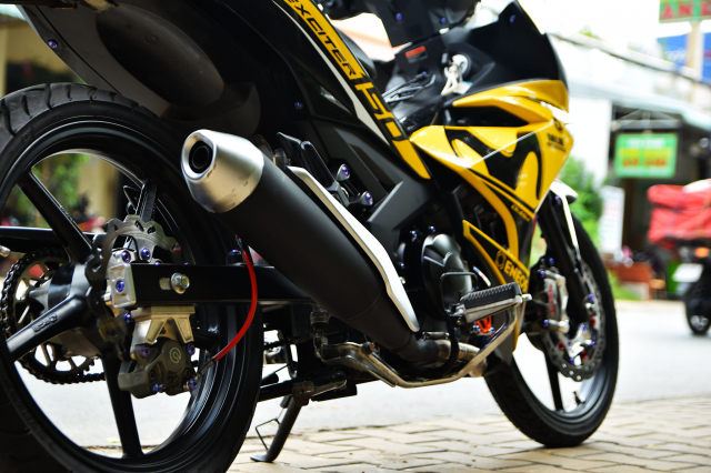 Ngam Exciter 150 do dan chan Brembo xin dung noc