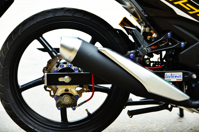 Ngam Exciter 150 do dan chan Brembo xin dung noc - 7